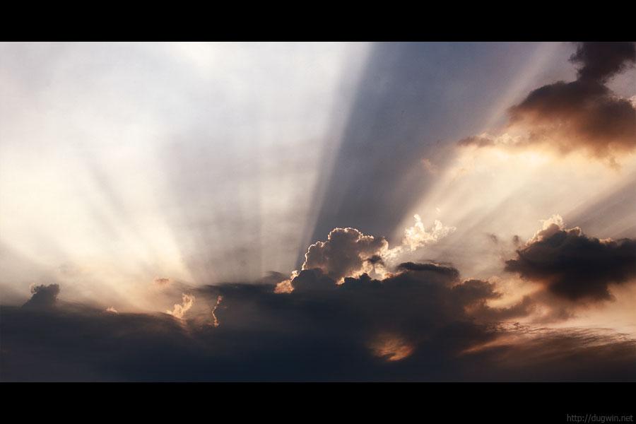 небо у смольного