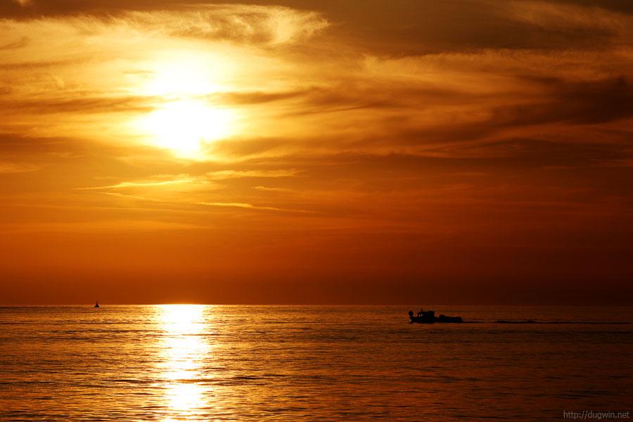 море, закат, лодка